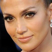 Jennifer-Lopez-Her-Oscars-Makeup